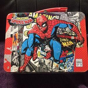 Spider-Man Metal lunch box. - B